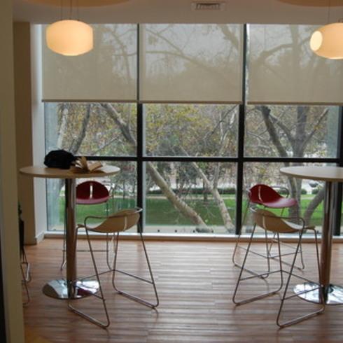 Oficinas Phillips en Edificio Ombu / Rollux