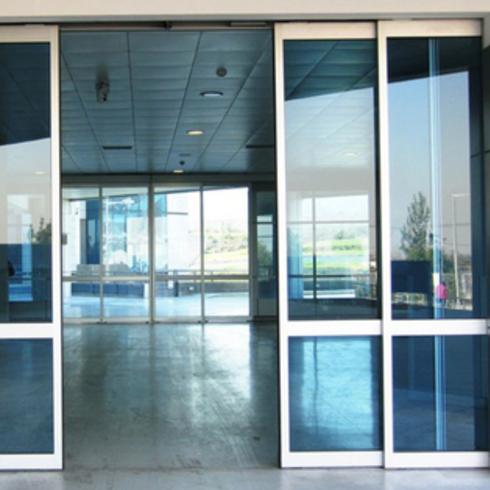 Automatismo Puertas Telescópicas / Glasstech