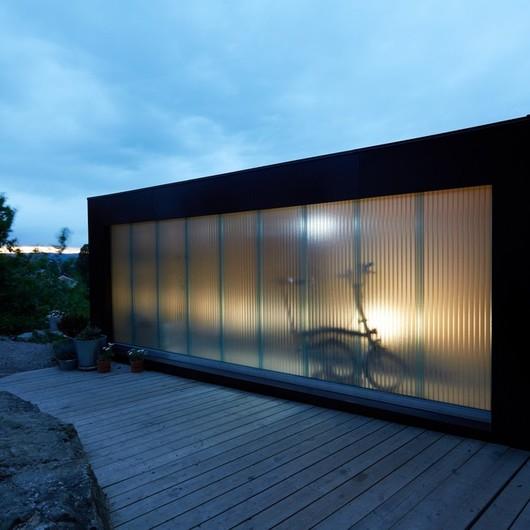 Translucent panels in Outdoor Light Studio