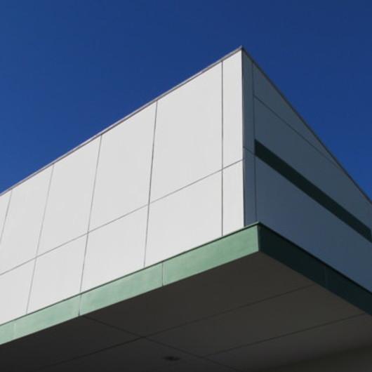 Fibrocemento Eterplac Dimensionado en en Proyectos Industriales / Pizarreño