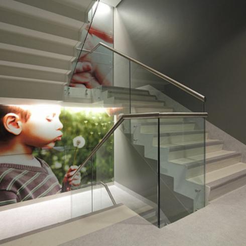 Pavimento Vinílico para Escaleras, Sarlon Gradas de Forbo / Multicarpet