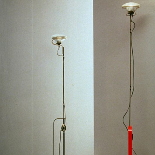 Lámpara de Pie Toio / Officio Mondó