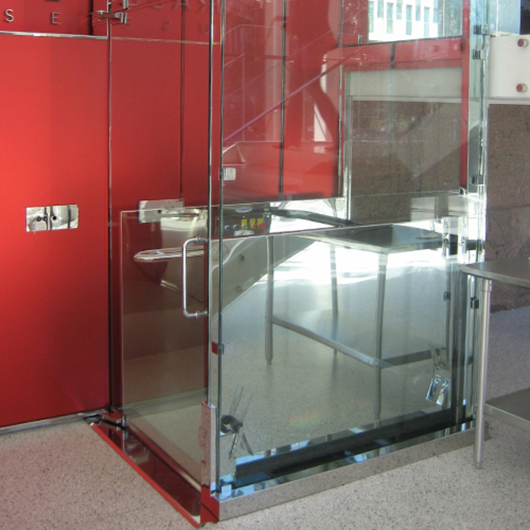Wheelchair Lift - V-1504 Vertical Platform / Savaria
