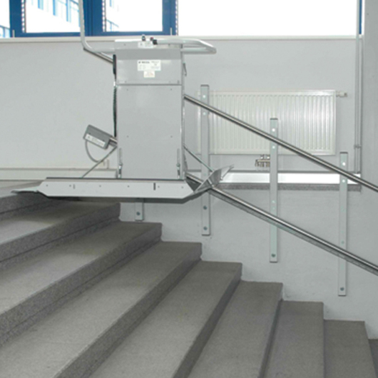 Wheelchair Lift - Delta Inclined Platform / Savaria