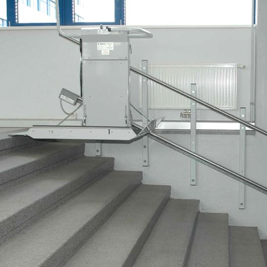 Wheelchair Lift - Delta Inclined Platform / Savaria