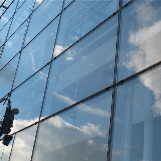 Guía de Mantención de Muros Cortina / Glasstech