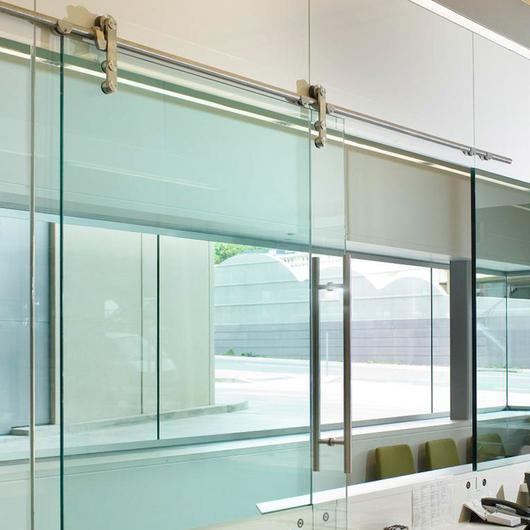 Puertas correderas de glasstech - Puerta corredera plegable ...