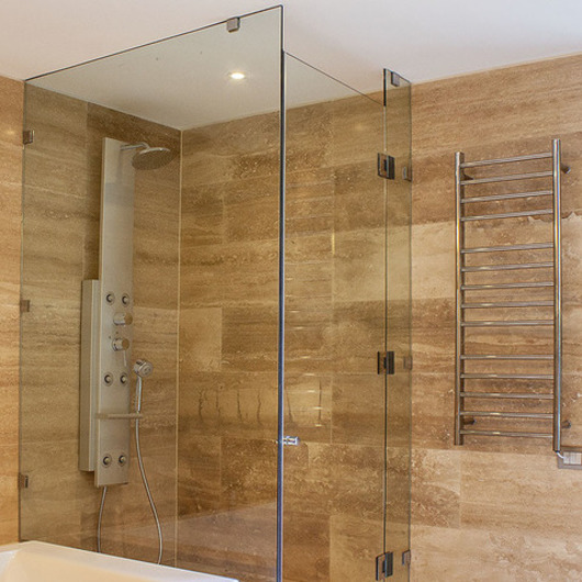Shower Door / Glasstech