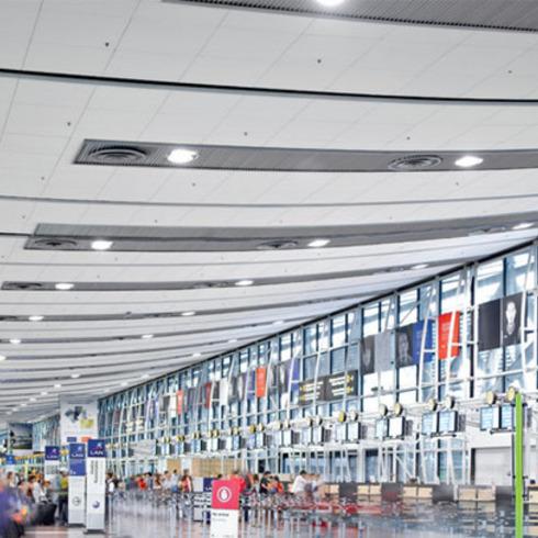 Multipanel F, Techstyle y Baffle - Aeropuerto Arturo Merino Benitez