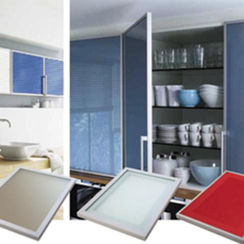 Puertas de Aluminio + Cristal Color / Hbt