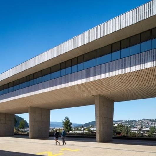 Edificio Liceo de Curanilahue / Arauco