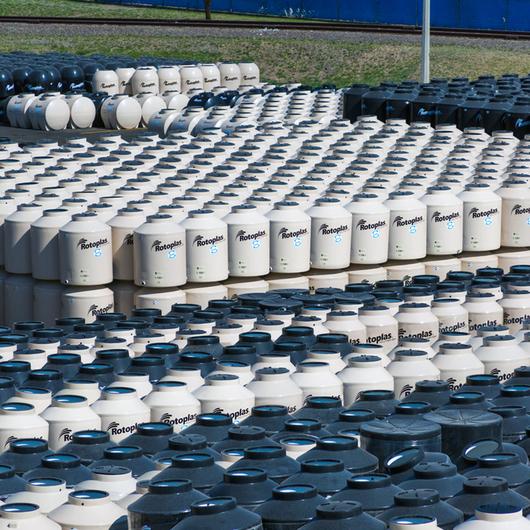 Contenedores de agua cisternas de rotoplas - Contenedores de agua ...