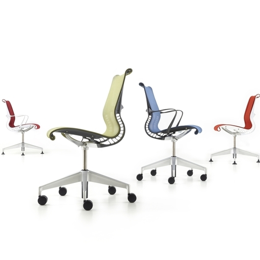 Mobiliario de Oficinas Herman Miller / Officio Mondó