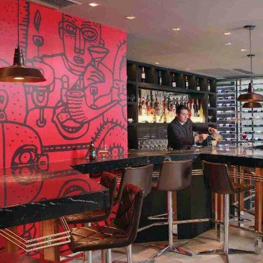 Papel Mural con Diseño en Hotelería / Carpenter