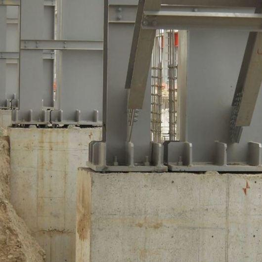 Estabilizador para la nivelación y anclaje de equipos o estructuras