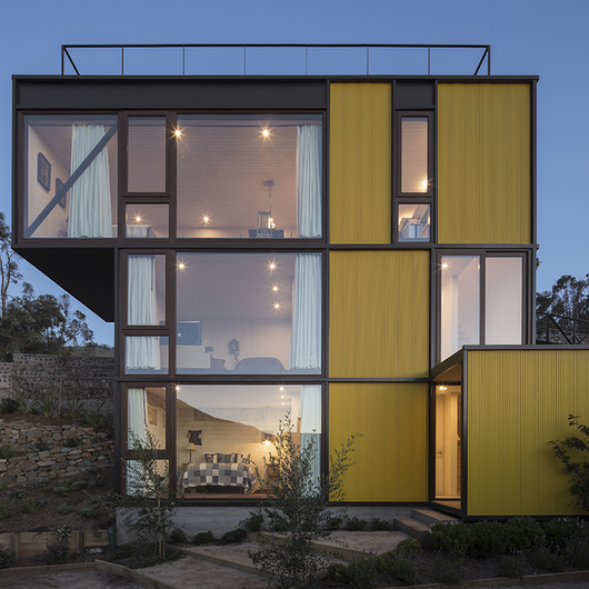 Aplicación Revestimiento Miniwave en Casa Amarilla Zapallar