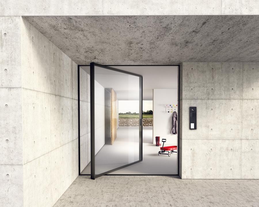 Glass Door - Pivot