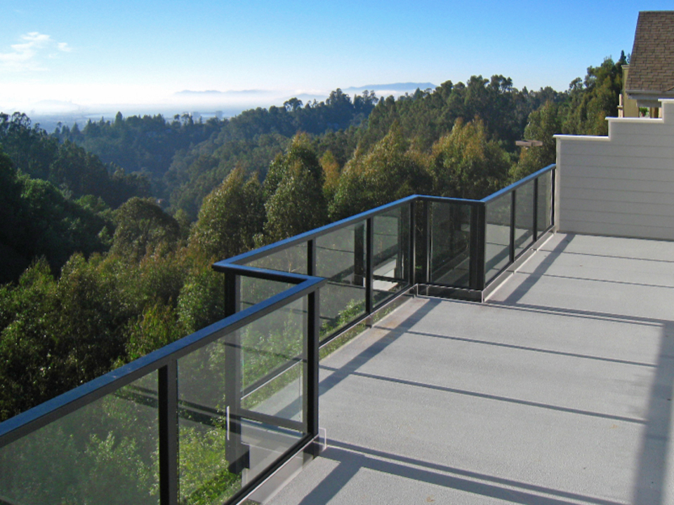 DesignRail® Aluminum Railing Systems with Glass Infill