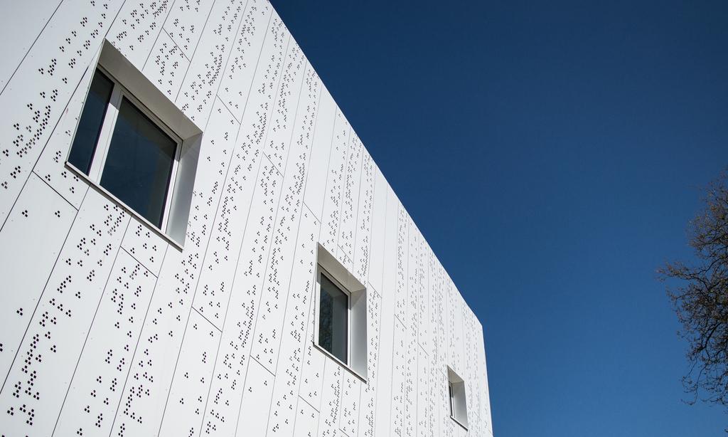 Perforated Aluminium Composite Panel etalbond® / Quai 9