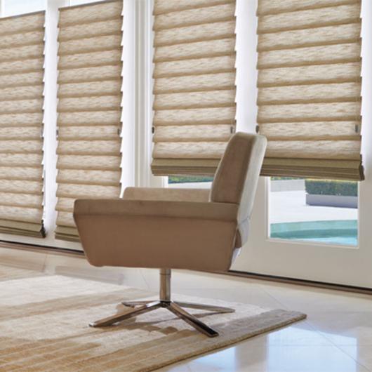 Vignette® Modern Roman Shades / Hunter Douglas Architectural