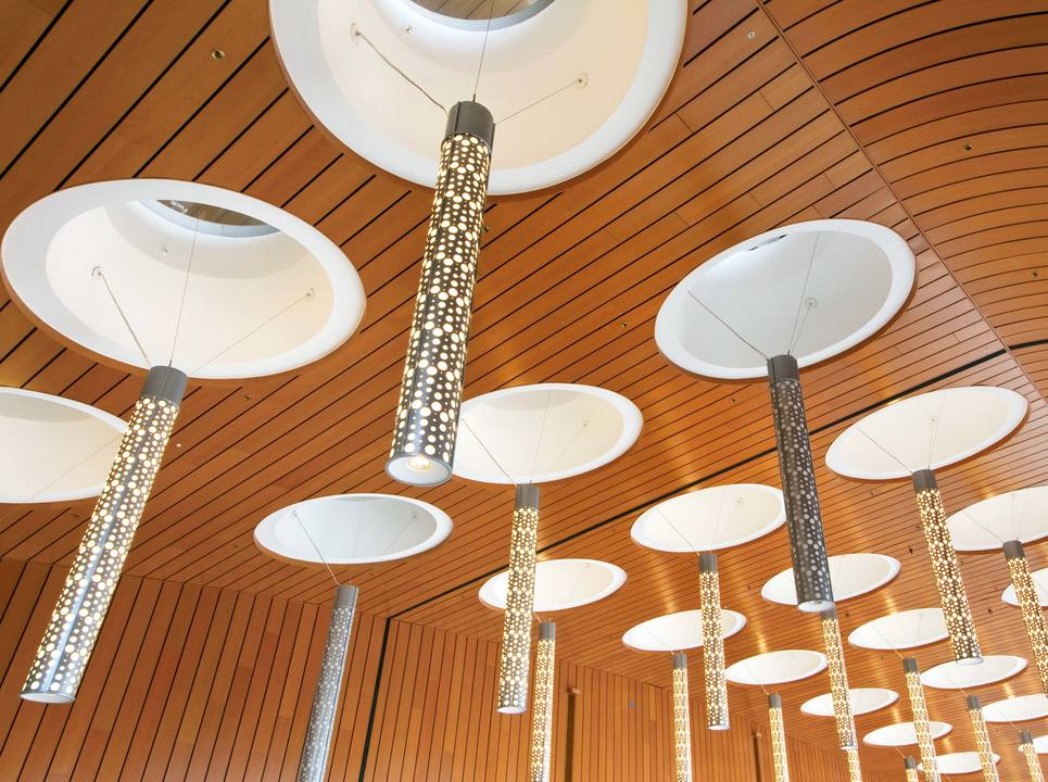 Ceiling System -Planx-Mirra™– Linear Shapes