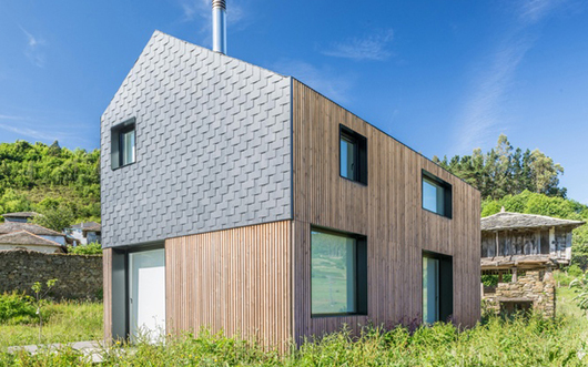 Montaña House- Natural Slate in Modular Housing