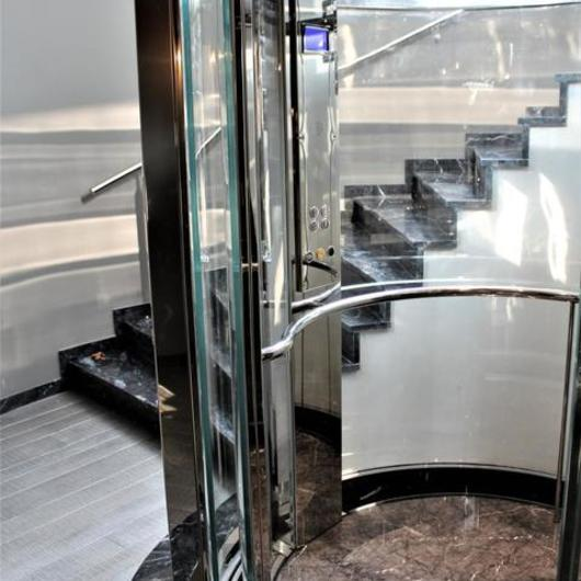 Elevator in Round Stairs