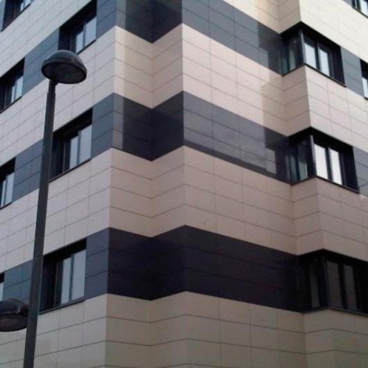 Fachadas Ventiladas de Gres Porcelánico Frontek