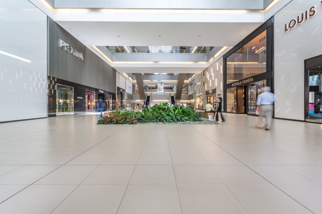 Pavimentos URBATEK en Soho Mall