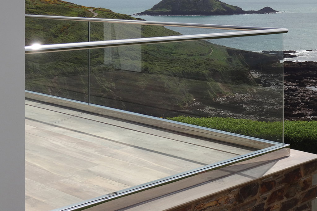 GRS TAPER-LOC Glass Railing System