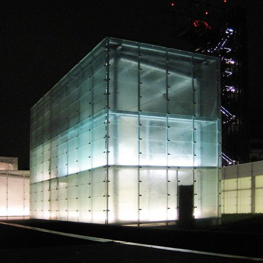 Ventilated Glass Façade Systems