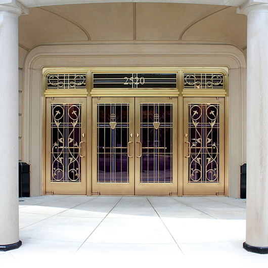 Balanced Doors / C.R. Laurence