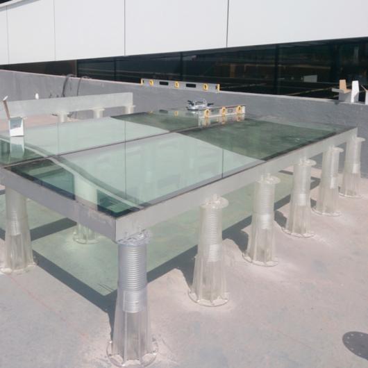 Diseño de Pisos Técnicos Interior y Exterior / Brimat