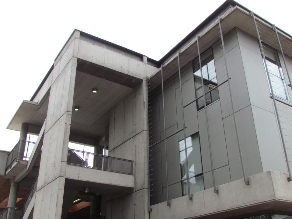 Revestimiento Natura en Escuela de Construcción Civil, PUC