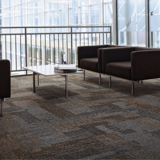 Carpetes Modulares Verticals / Interface