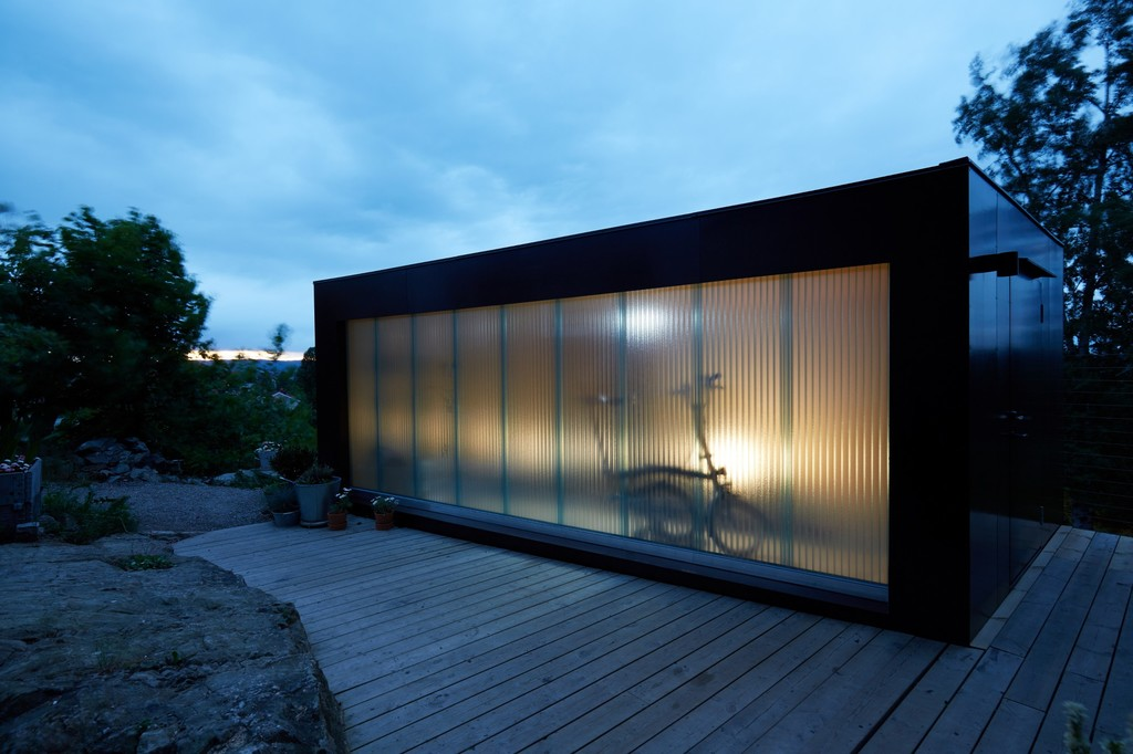 Outdoor Light Studio and Storage Space