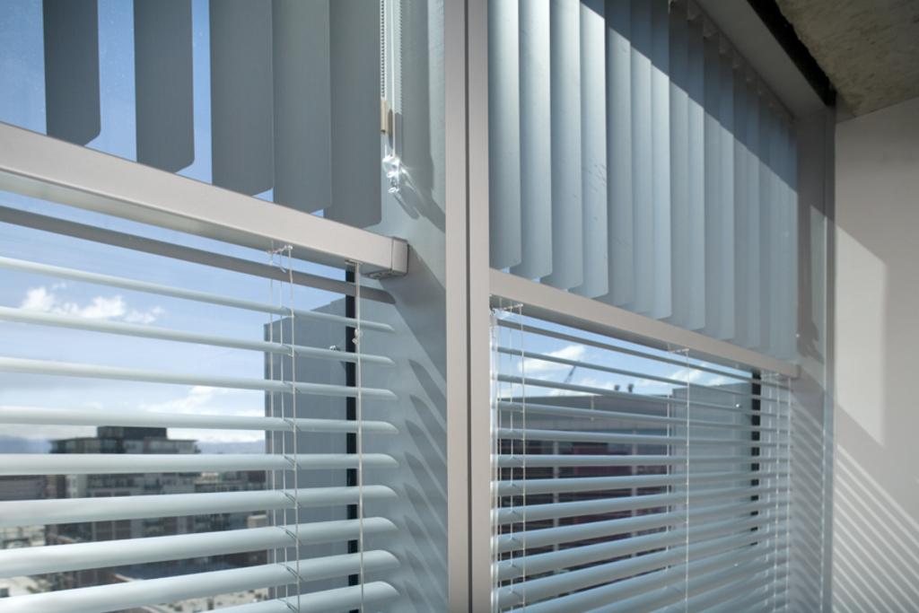 Aluminum Horizontal Blinds At The Epa Region 8 Headquarters