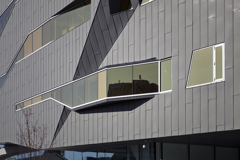 The Stephen Hawking Centre at Perimeter Institute II VMZ Flat lock panel in QUARTZ-ZINC