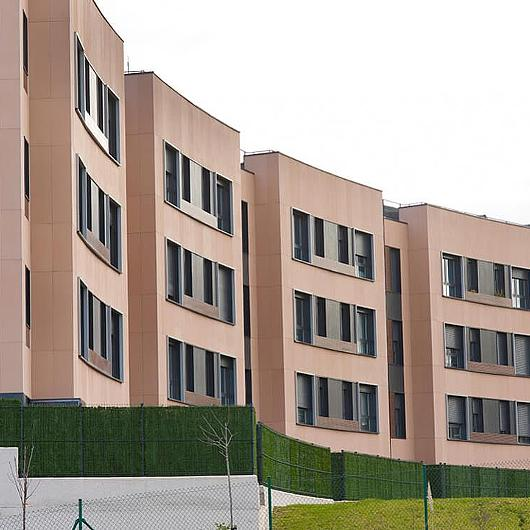 Air Facade Panels + Creaktive in Social Housing / ULMA Architectural Solutions