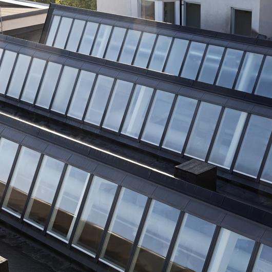 Northlight Skylight in Sågbäcksgymnasiet Sweden / VELUX Commercial