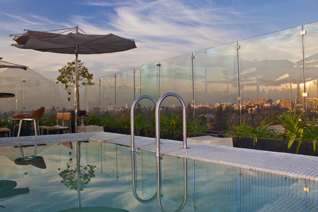 Barandas de cristal de glasstech for Barandas para terrazas
