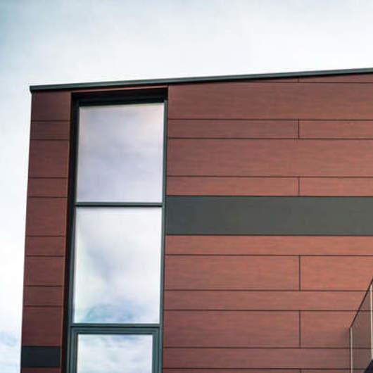 Cómo diseñar fachadas ventiladas con paneles laminados HPL / FunderMax