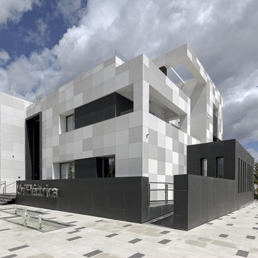 Polymer Concrete Facade - UniEléctrica / ULMA Architectural Solutions