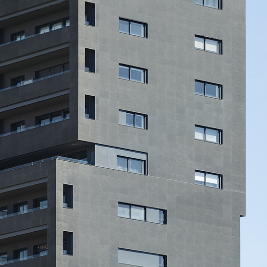 Polymer Concrete Facade in Diagonal Tower
