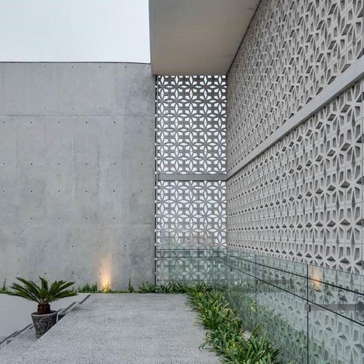 Celosías de Concreto / Casa Rosselló