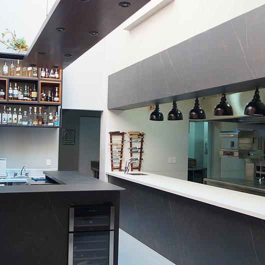 Revestimentos Silestone® e Dekton® no restaurante Lorea