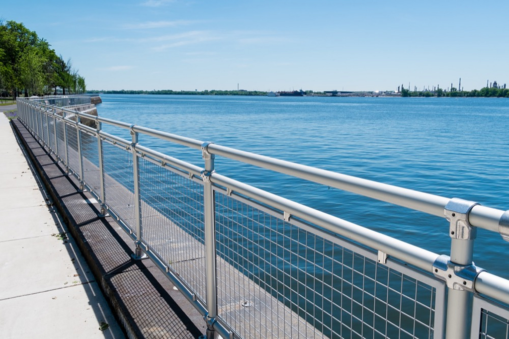 Speed-Rail® Aluminum Railing