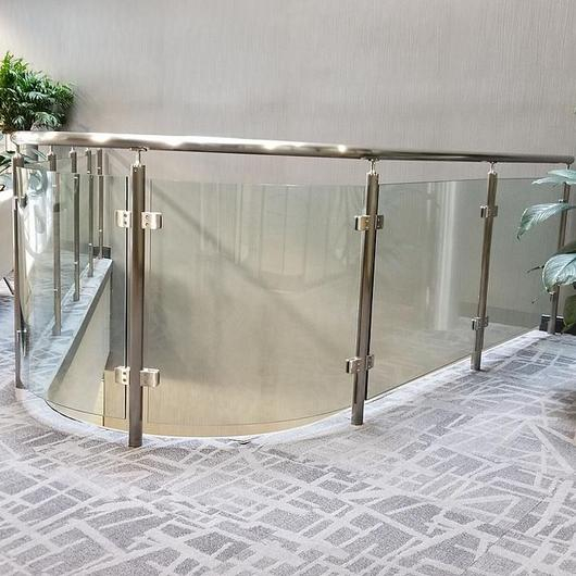 Vision™ Stainless Steel Railing / Hollaender