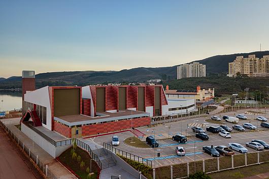 Pavilhão de Esportes e Eventos Minas Tênis Náutico Clube por Horizontes Arquitetura e Urbanismo | Softwave 25 | Hunter Douglas Brasil - Foto: Gustavo Xavier