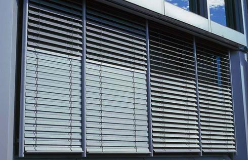 persianas exteriores de aluminio de hunter douglas window